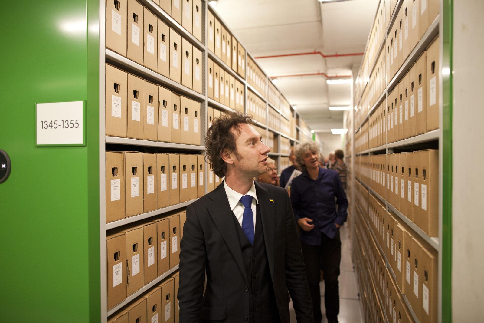 Gefascineerd door de enorme hoeveelheid archieven